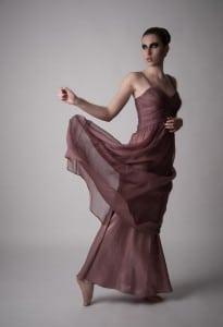 Frau mit Kleid fashion