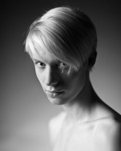 Portrait Mann Studio androgyn