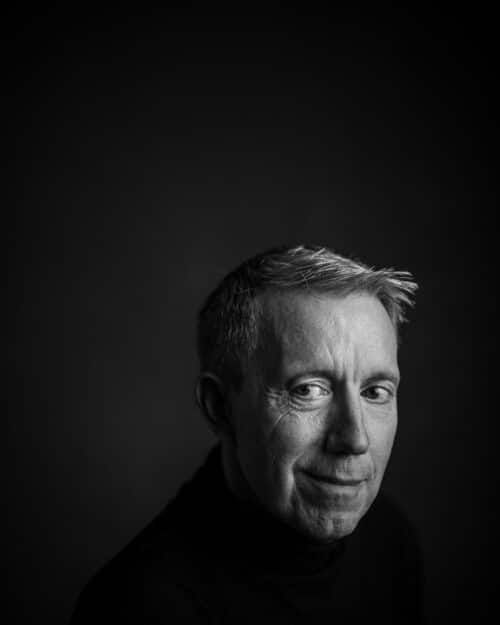 Portrait-Mann-Schwarzweiss