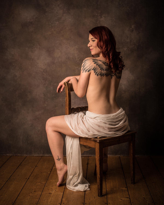 Weiblicher-Akt-Fotostudio